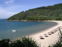 Đến khu du lịch Tiên Sa bằng vé máy bay đi Đà Nẵng