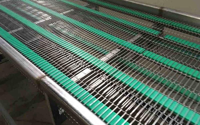 đặc điểm của băng tải lưới chịu nhiệt 3